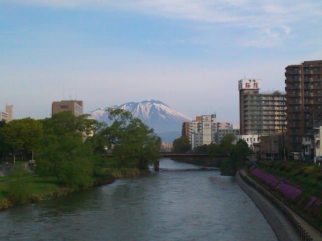 盛岡市、開運橋からの眺め